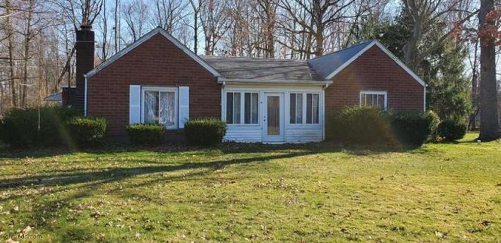 3303 Decamp Rd, Youngstown, OH 44511