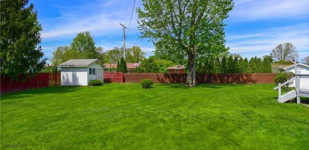 4458 Green Grass Way Ln, Youngstown, OH 44515