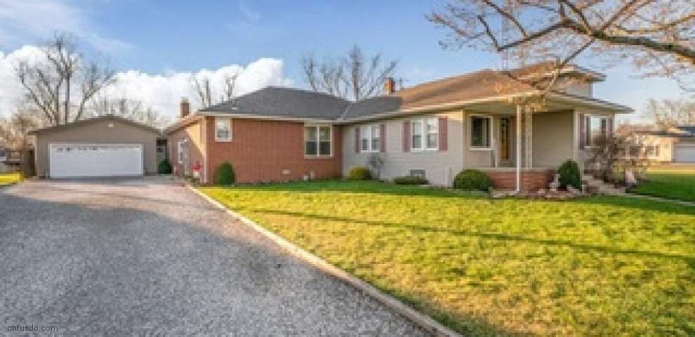 27240 Lake Front Dr, Beloit, OH 44609
