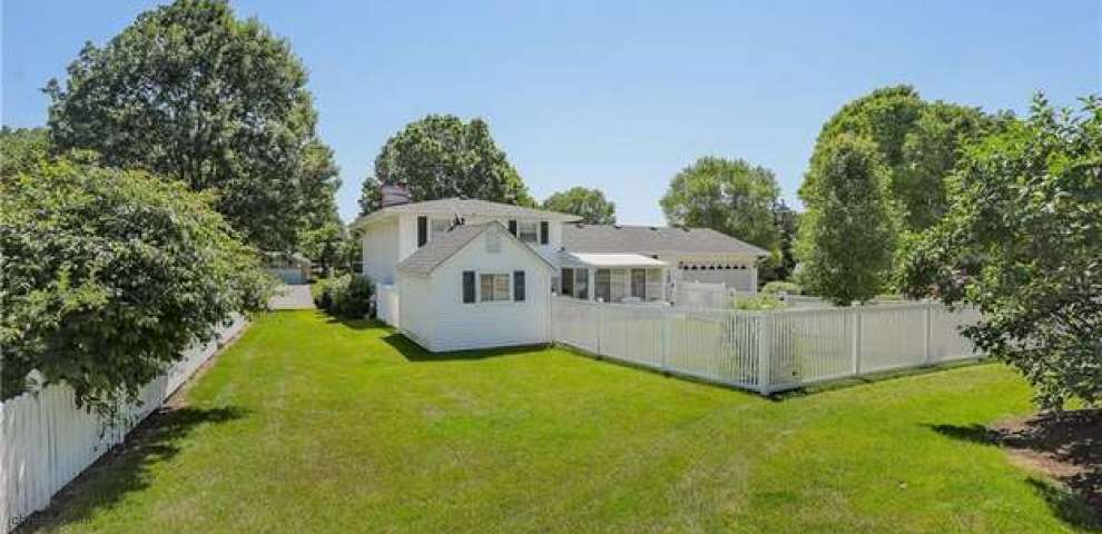 11900 Mill Race St NW, Canal Fulton, OH 44614
