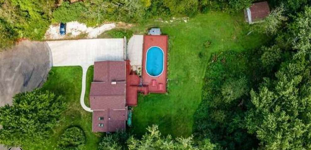6164 Rimview Ave NW, Canal Fulton, OH 44614
