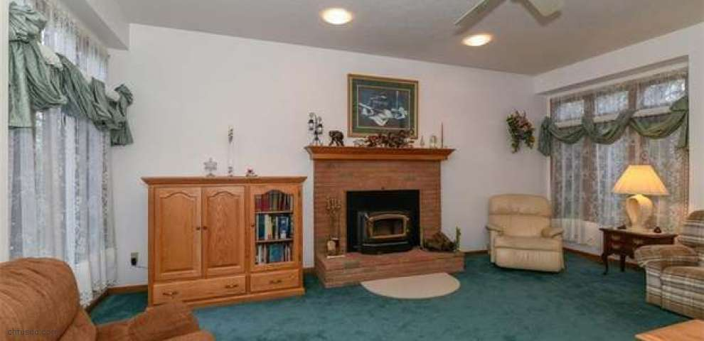873 Colonial Ave, Canal Fulton, OH 44614