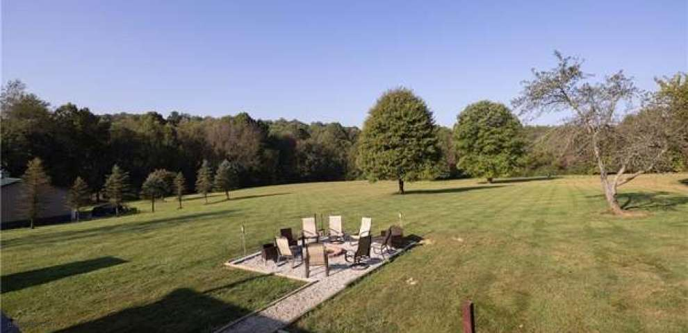 7739 Briggle Ave SW, East Sparta, OH 44626