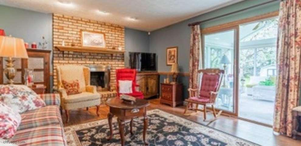 1043 Cayuga Trl SW, Hartville, OH 44632 - Property Images