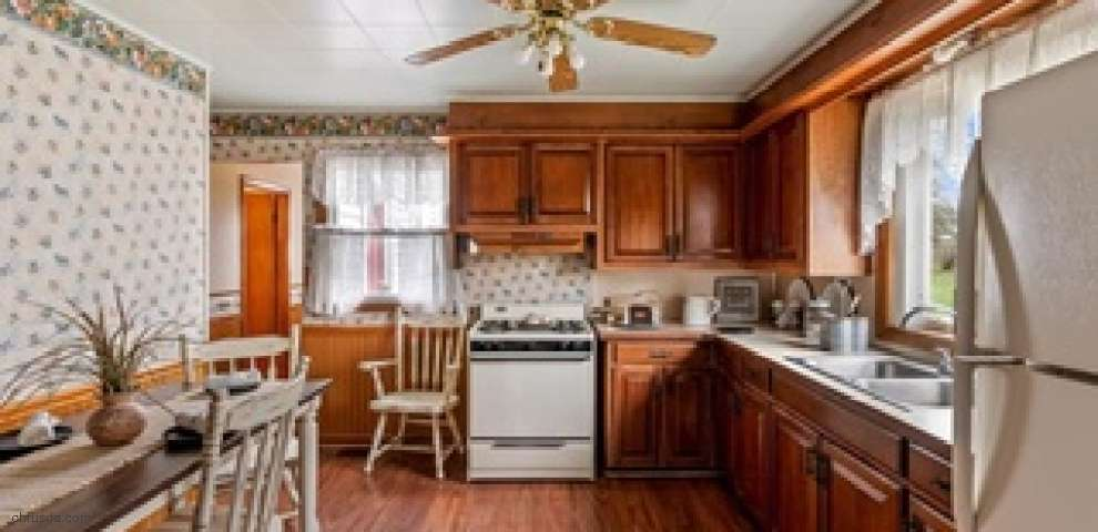 11917 Moffit St SW, Massillon, OH 44647 - Property Images
