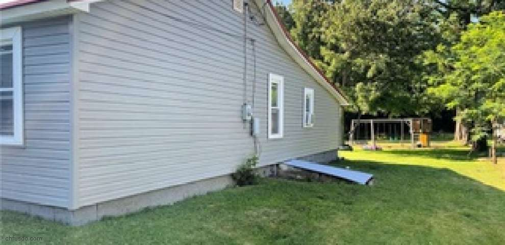 856 W Tennessee Ave, Sebring, OH 44672