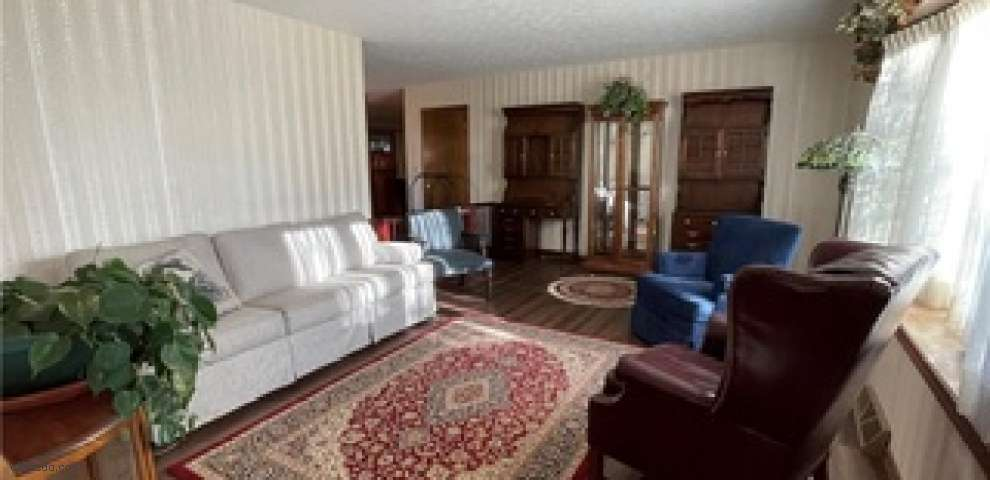 2443 Oak Hill Rd, Wooster, OH 44691