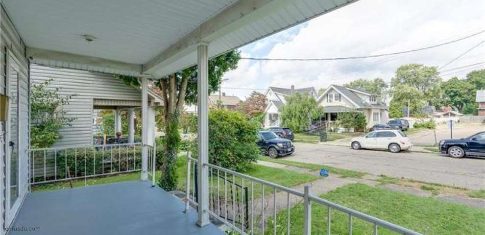 1022 23rd St NW, Canton, OH 44709