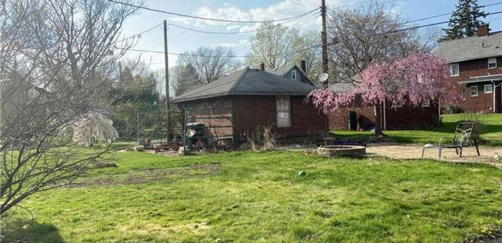 351 23rd St NW, Canton, OH 44709