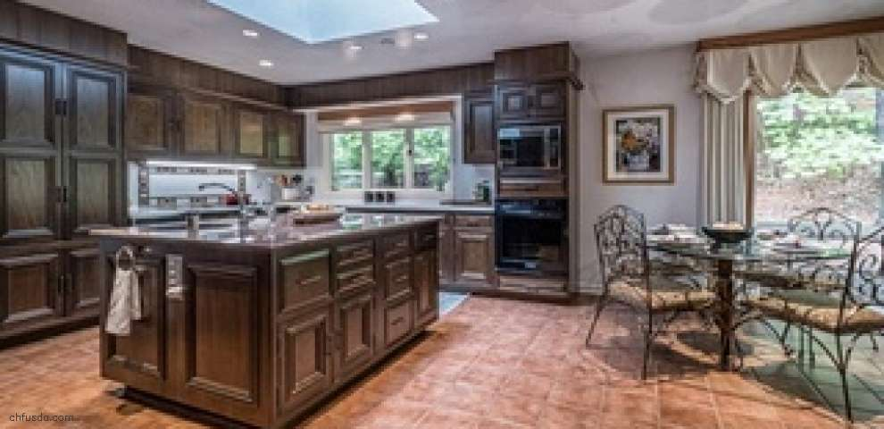 3040 Sussex St NW, Canton, OH 44718 - Property Images