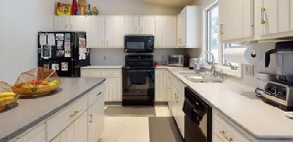 3996 St Edmund Ave NW, Canton, OH 44718