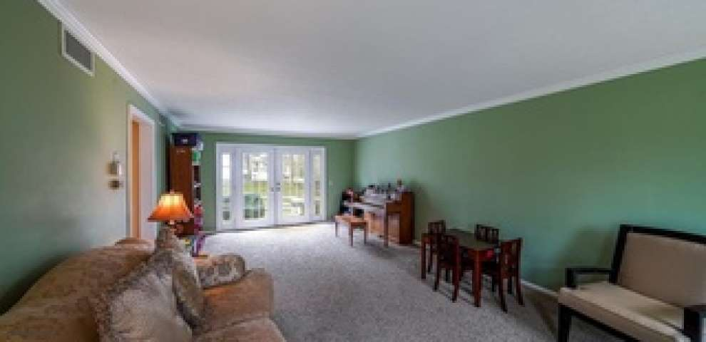 1025 Chelmsford St NW, North Canton, OH 44720 - Property Images