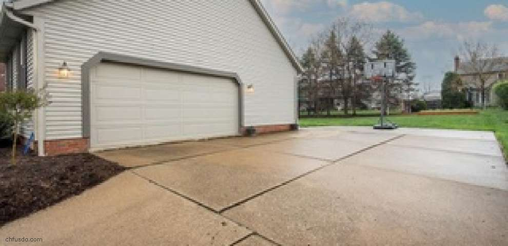 2391 Mohler Dr NW, North Canton, OH 44720