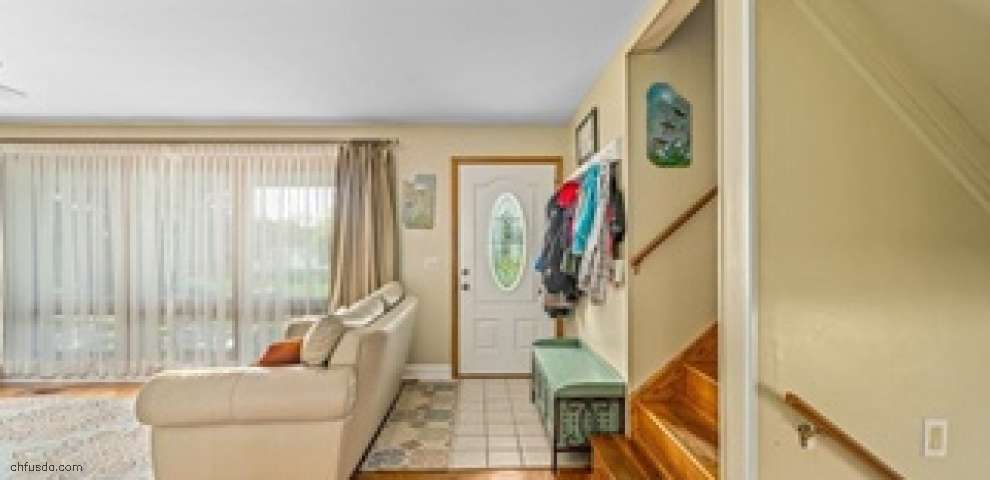 5281 Meadowlark St NW, North Canton, OH 44720