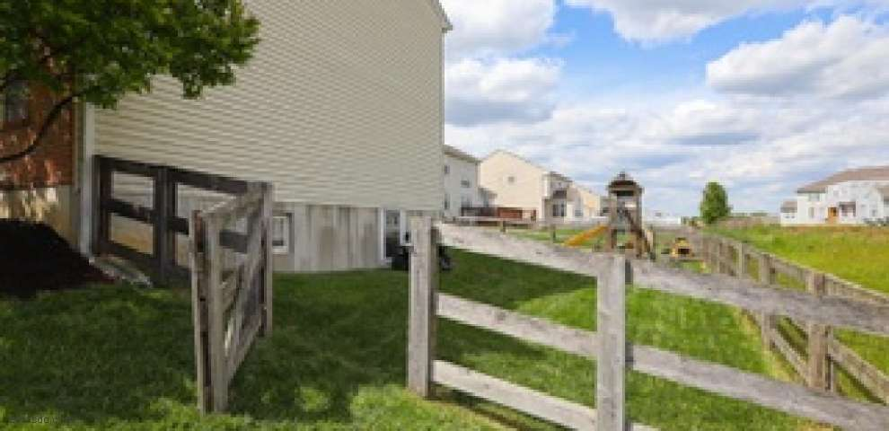 1182 Sinclair Dr, Maineville, OH 45039