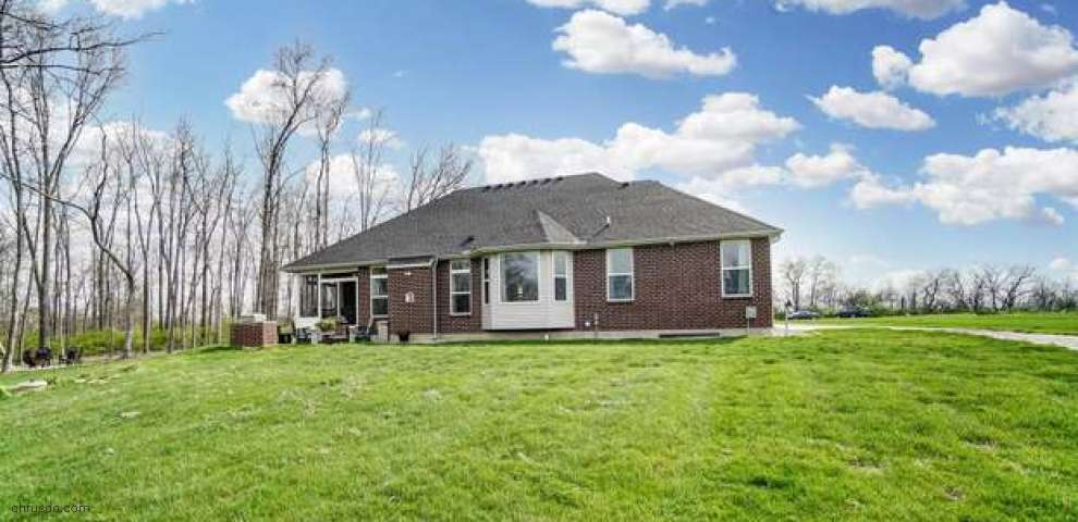 4689 Hickory Hill Dr, Oxford, OH 45056