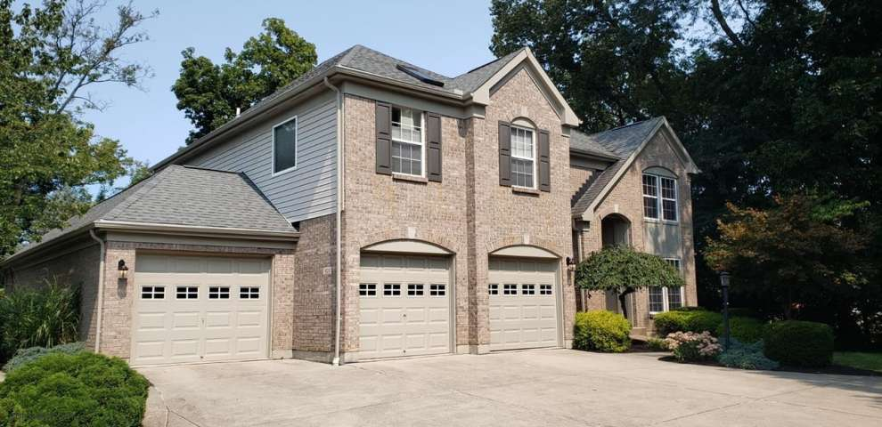 415 Forest Edge Dr, South Lebanon, OH 45065