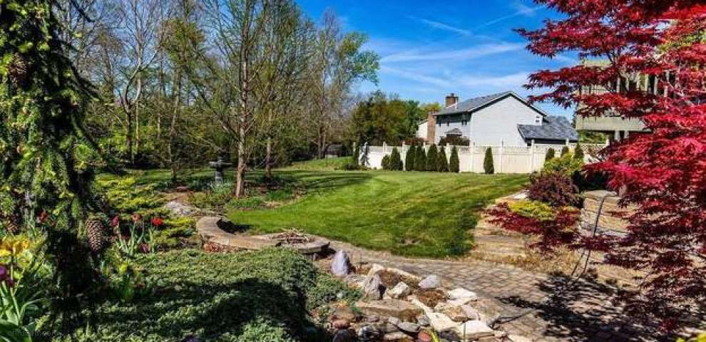 5923 Whitehorse Ct, West Chester, OH 45069
