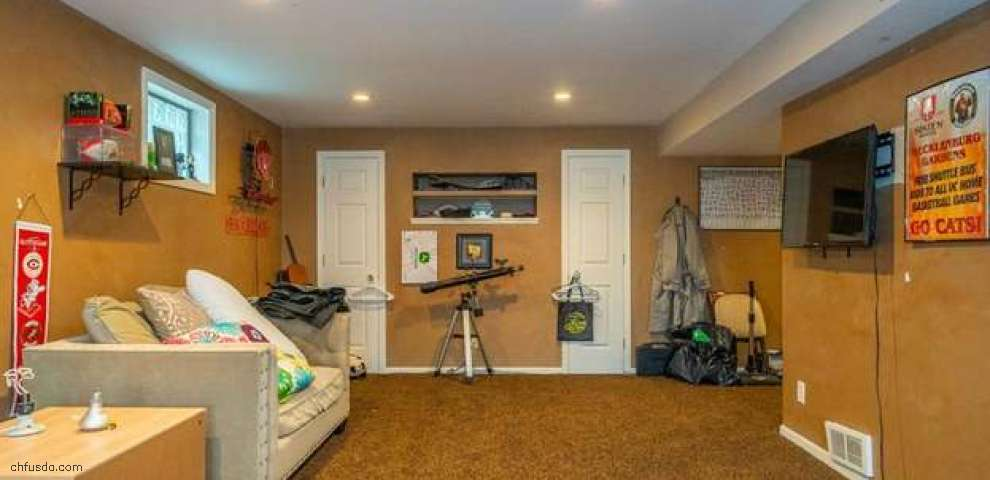 7728 W Lake Dr, West Chester, OH 45069
