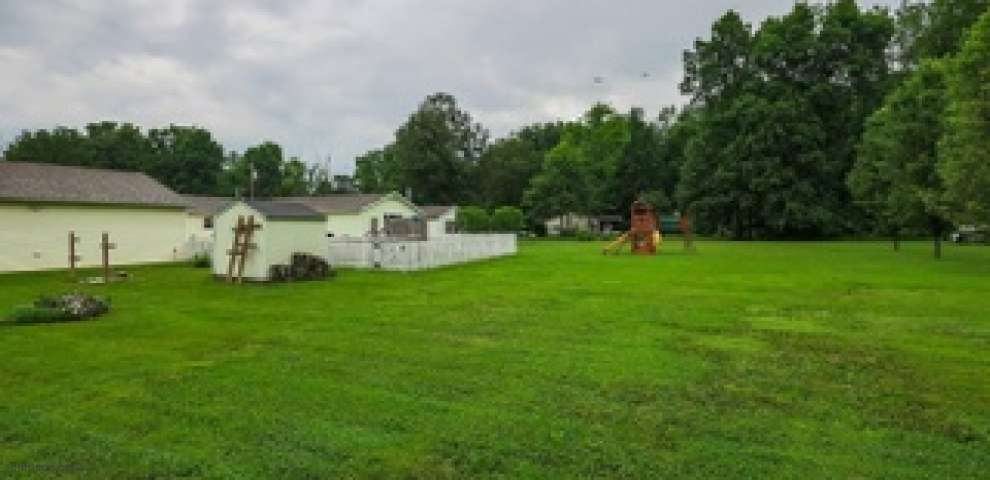 1569 Fredrickstrasser Dr, Perry Twp, OH 45118 - Property Images