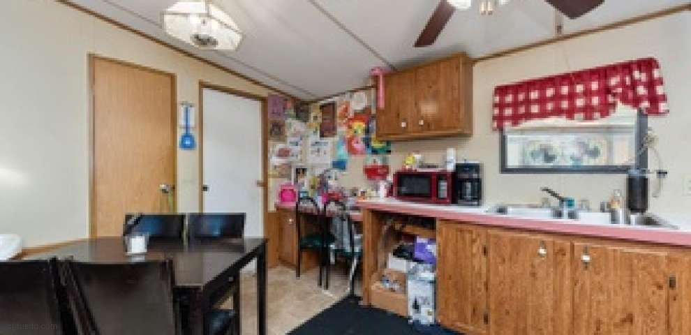 852 S Main St, Georgetown, OH 45121