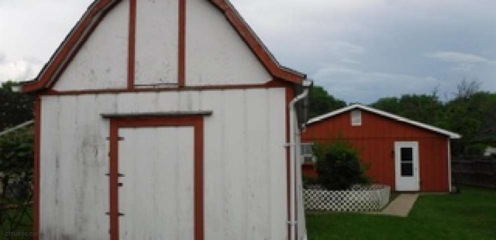 352 South St, Leesburg, OH 45135