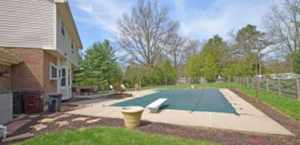 1112 N Muscovy Dr, Miami Twp, OH 45140