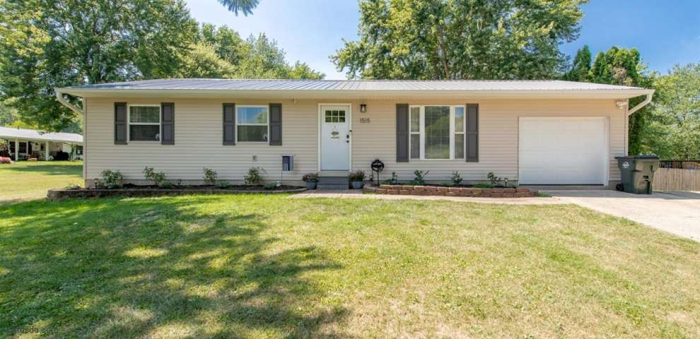 1515 W Meadowbrook Dr, Goshen Twp, OH 45140