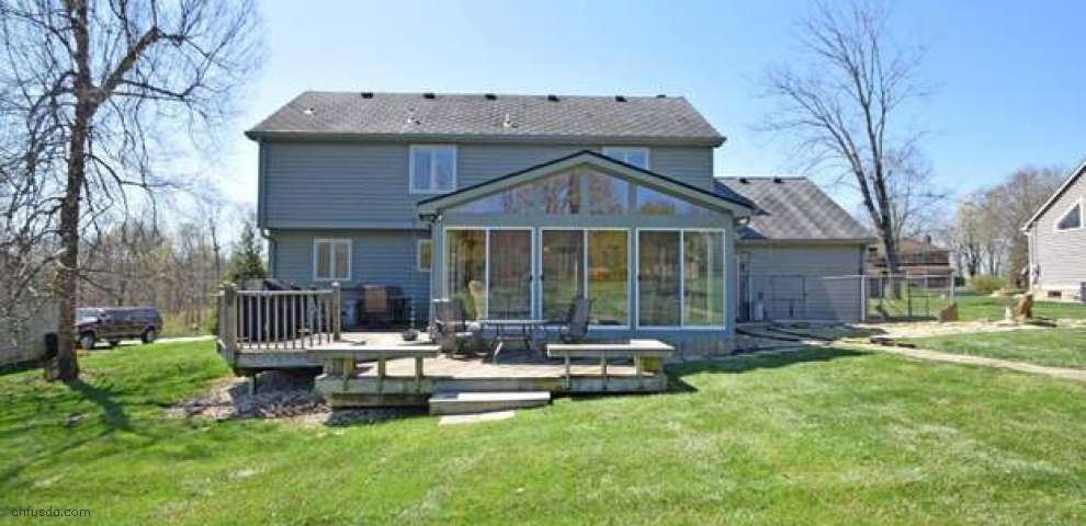 416 Pinebluff Dr, Miami Twp, OH 45140