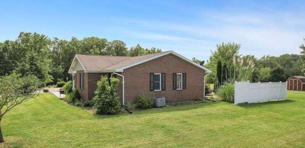 161 Horse Shoe Dr, Jackson Twp, OH 45171