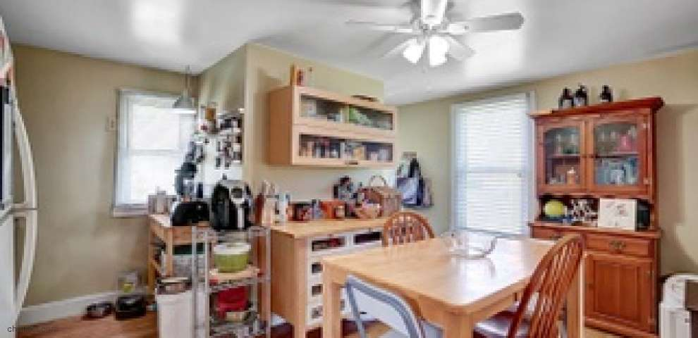 7813 Perry St, Mt Healthy, OH 45231