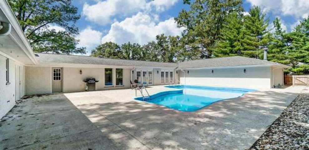3360 Lamarque Dr, Amberley, OH 45236