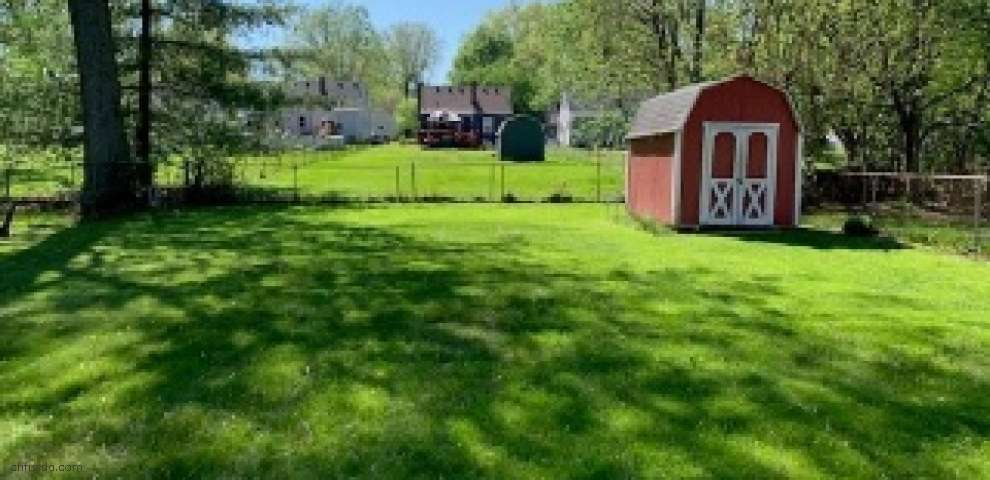 6919 Rob Vern Dr, North College Hill, OH 45239