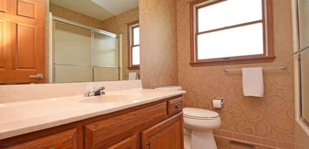 10088 Crosier Ln, Blue Ash, OH 45242 - Property Images