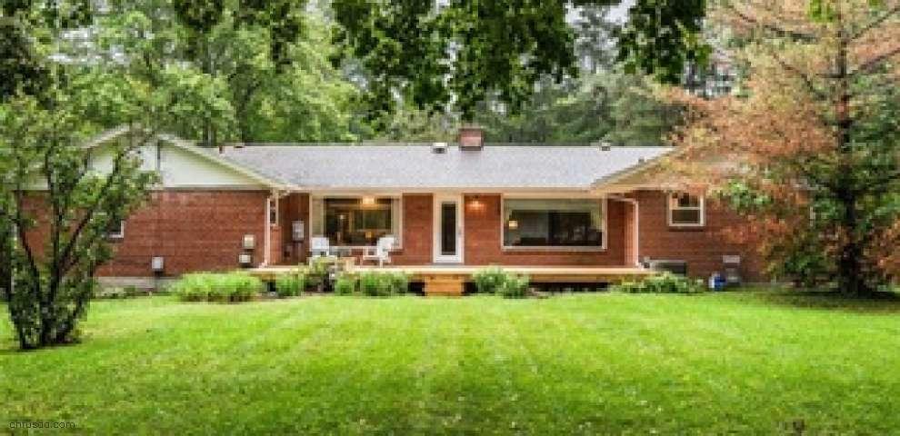 4240 Wood Acre Dr, Bellbrook, OH 45305
