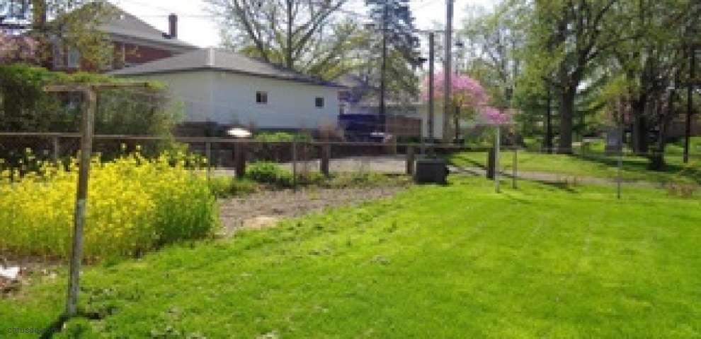 46 E Mckinley St, Brookville, OH 45309