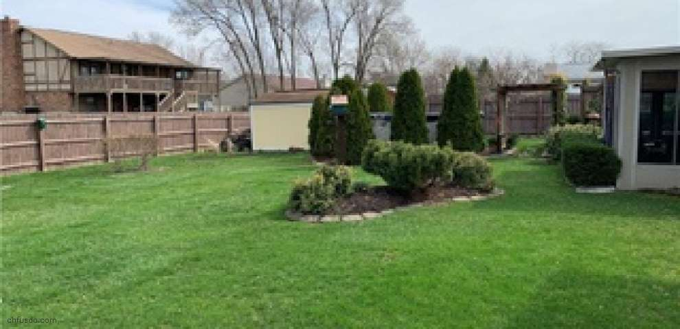 1041 Newpark Dr, Englewood, OH 45322 - Property Images