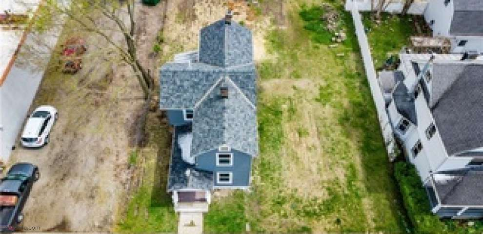 316 S 3rd St, Miamisburg, OH 45342