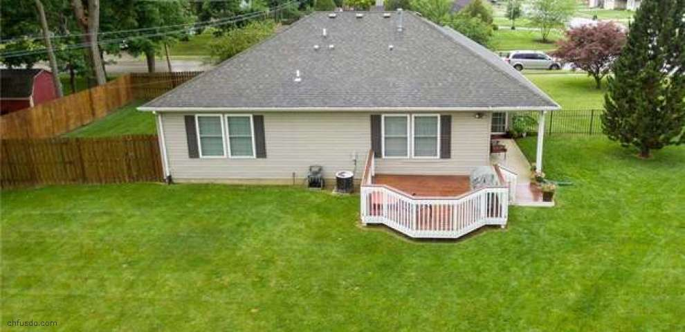 812 Bellaire Dr, Tipp City, OH 45371