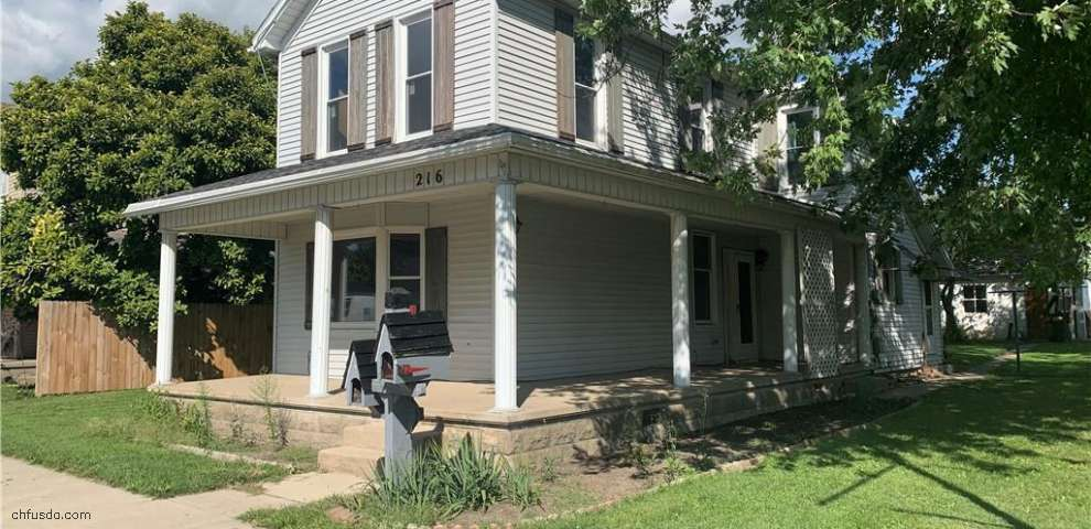216 N Main St, West Manchester, OH 45382