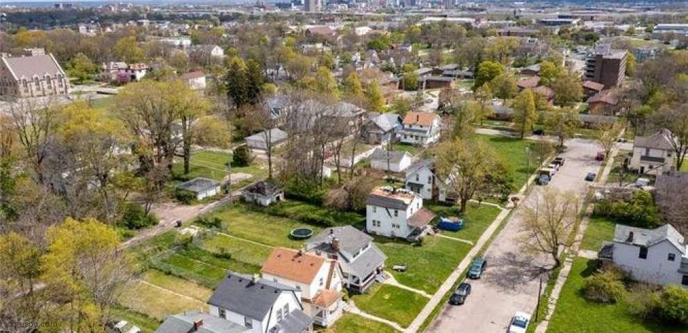 35 Leroy St, Dayton, OH 45402