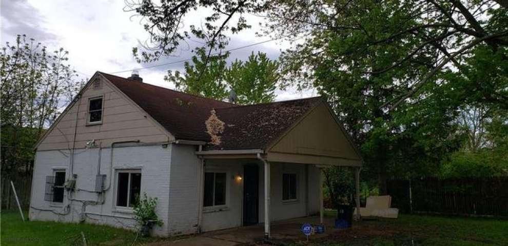 16 Lawncrest Ave, Jefferson Township, OH 45417
