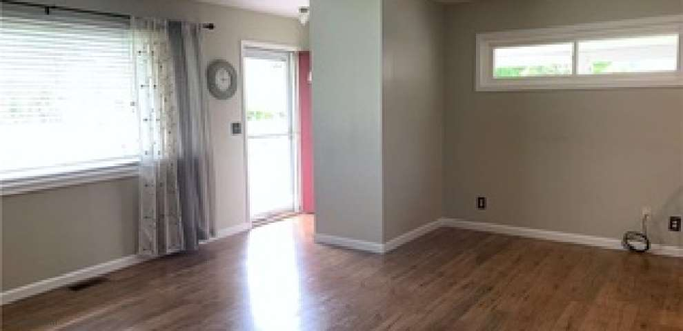2001 Gay Dr, Kettering, OH 45420