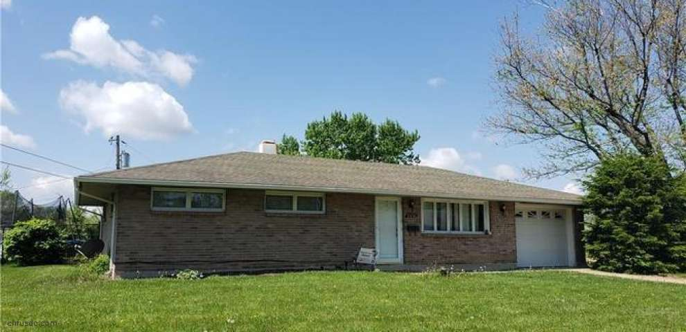 5950 Hartwick Ln, Huber Heights, OH 45424
