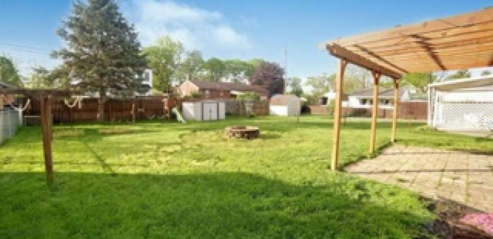 4204 Ellery Ave, Moraine, OH 45439