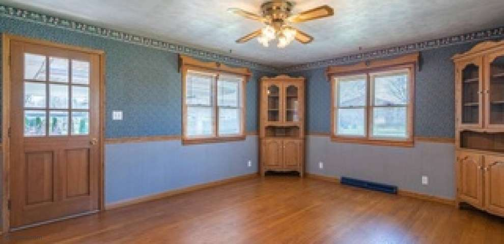 10325 Virginia Lee Dr, Washington Township, OH 45458 - Property Images