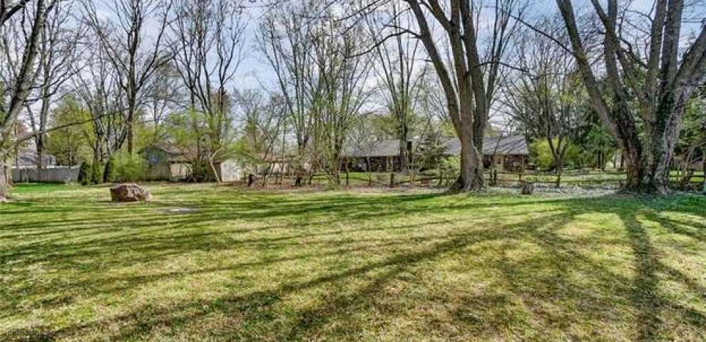 1053 Green Timber Trl, Washington Township, OH 45458 - Property Images