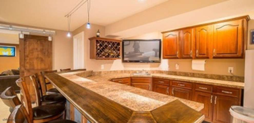 10608 Meadowfields Ct, Dayton, OH 45458 - Property Images
