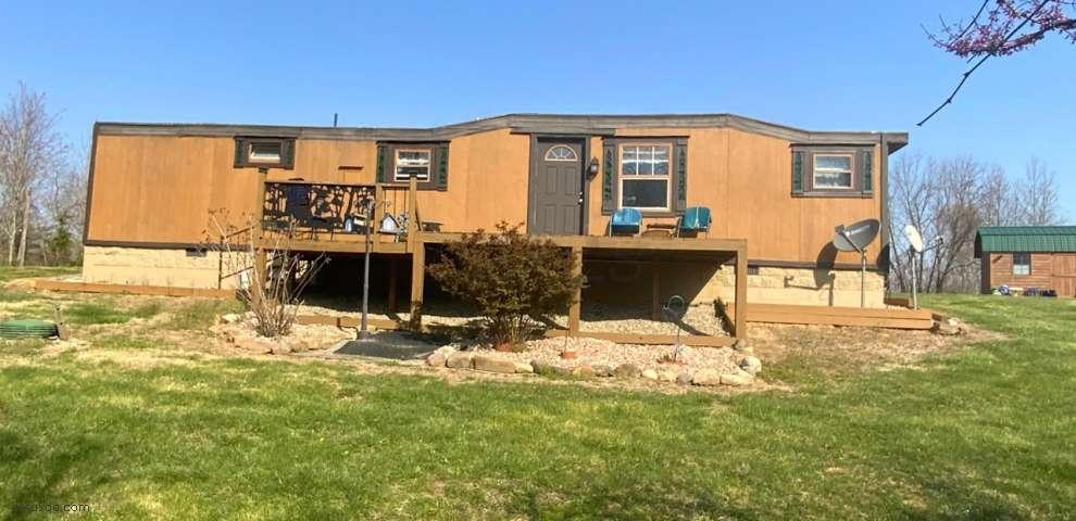 450 Dickens Rd, Oak Hill, OH 45656