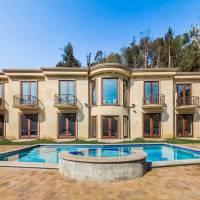 Ariana Grande home in Beverly Hills, CA